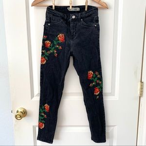 Topshop Black Rose Embroidered Petite Jamie Jeans